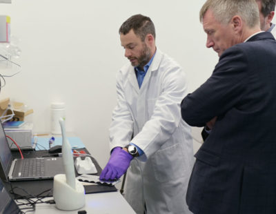Adam Christie, CEO of Calcivis, pictured with Ivan McKee  MSP, Minister for Trade, Investment and Innovation  in the company lab at Edinburgh BioQuarter.  Photo by Phil Wilkinson